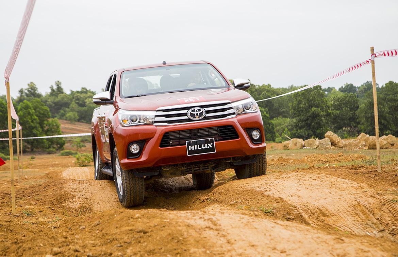 Toyota_530124043